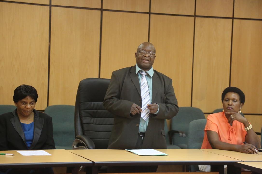 Prof Muzvidziwa giving his remarks at the ceremony